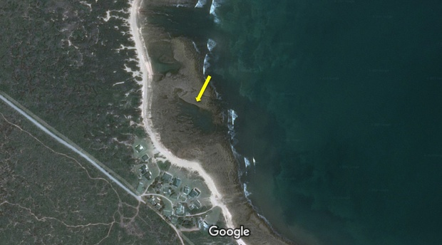 Stone, ancient fish traps at Kanon near Vleesbaai, outside Mossel Bay in the Garden Route of the Western Cape Province. Image: Google Maps